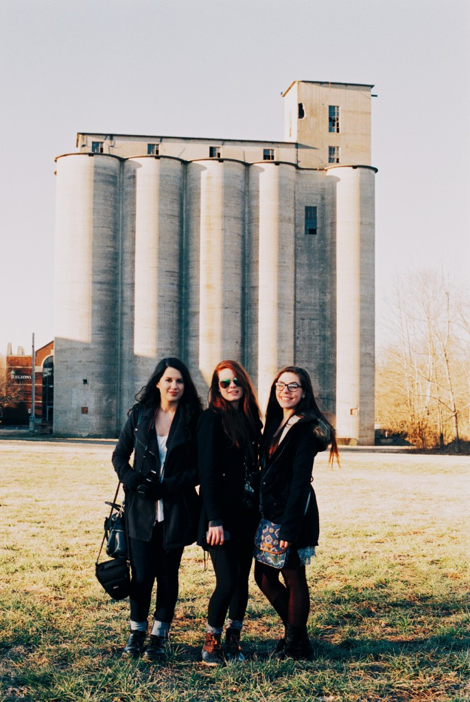 Sam, Kaylee and Claire in front of the Silo.